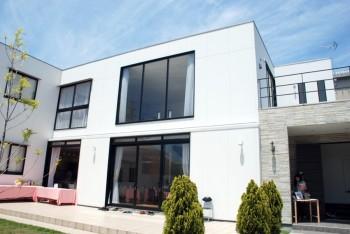 Shinkiba house